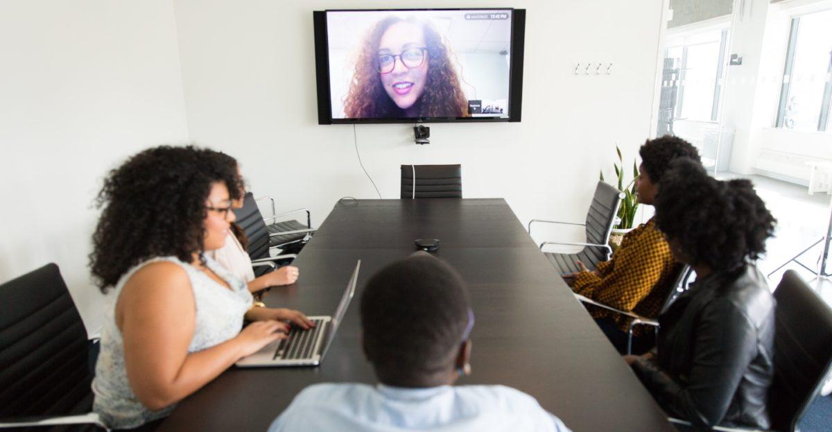 Hybrid Meetings hero.jpg