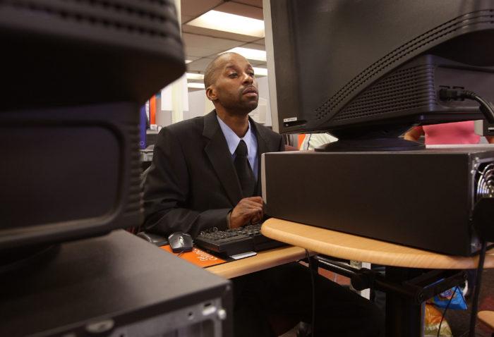 Job hunting.Unemployment.Computer.Getty_.4.14.20 700x478.jpg