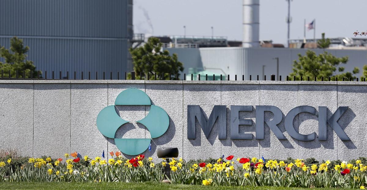 Merck sign hero