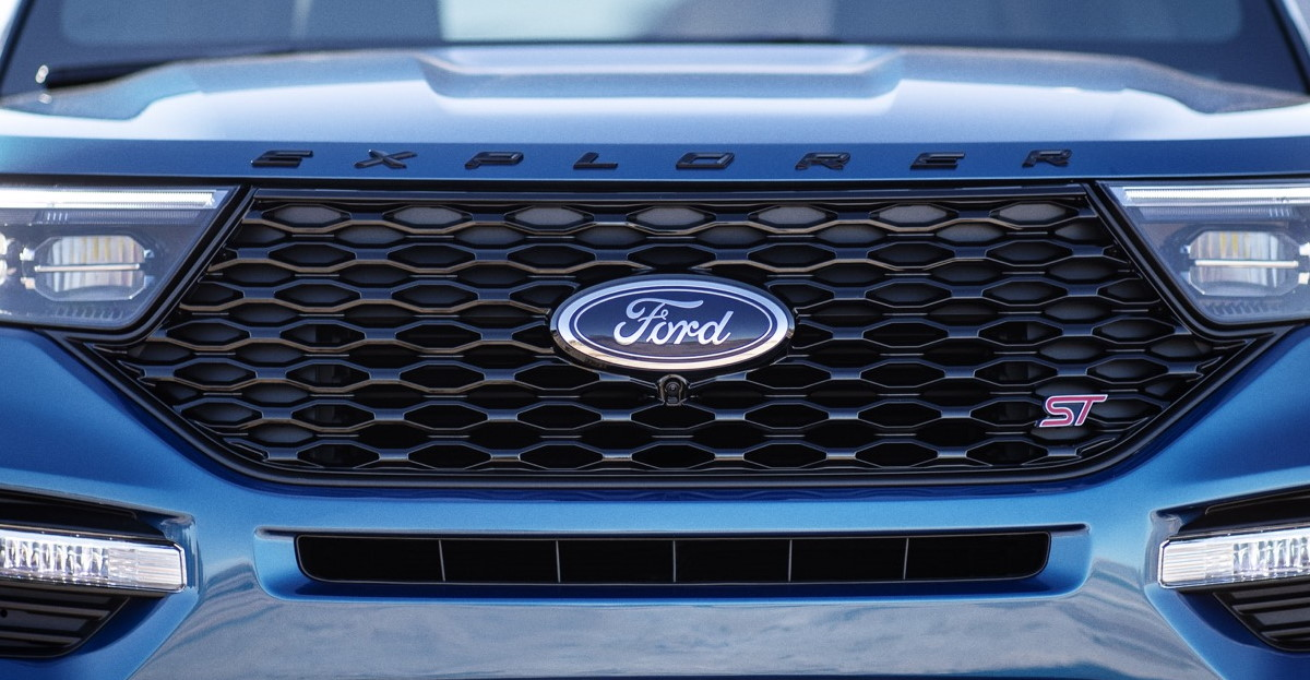 Ford front car hero