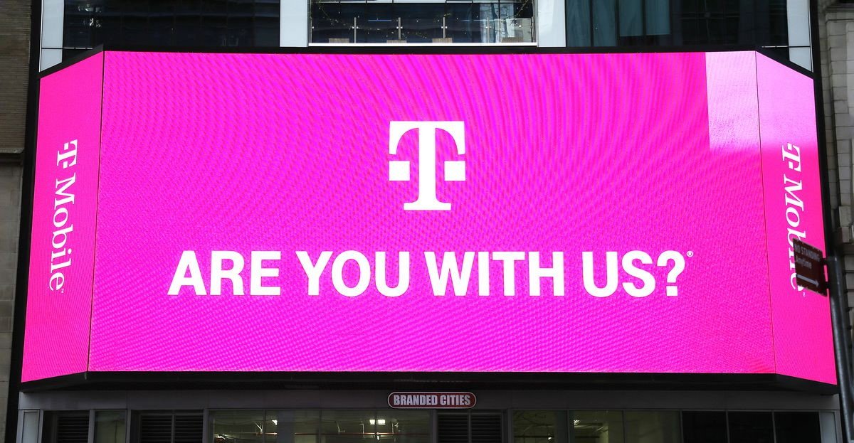 T mobile sign hero